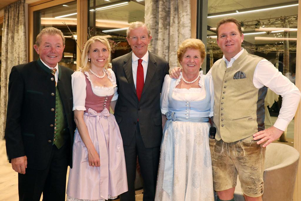 Der Umbau des Laschenskyhofs war eine Feier wert, v.l. Matthias und Lydia Hautha..