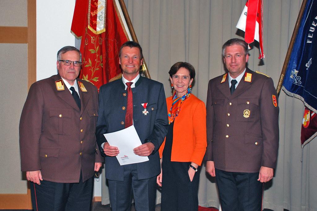 Ehrung auch für Bezirkshauptmann Harald Wimmer, mit im Bild: Landesfeuerwehrkomm..