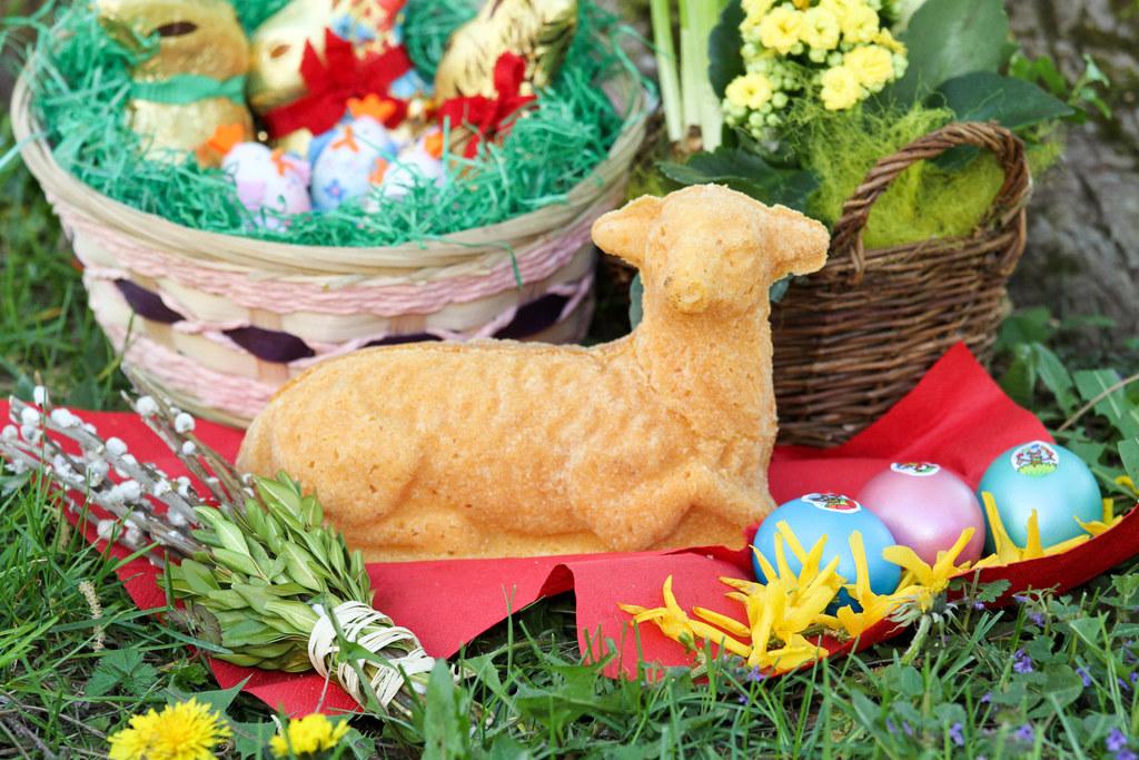 Vieles ist heuer anders zu Ostern. Aber Backen, Eier färben und das Osternest gehören auch diesmal dazu.