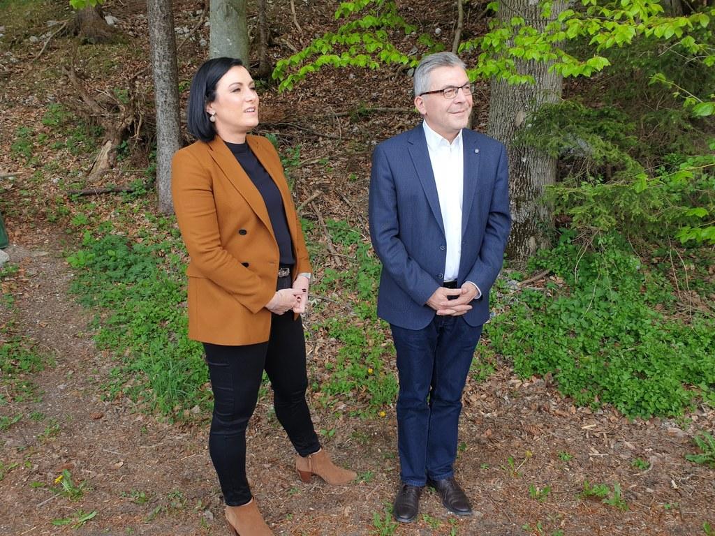 LR Josef Schwaiger informierte heute Bundesministerin Elisabeth Köstinger bei ih..