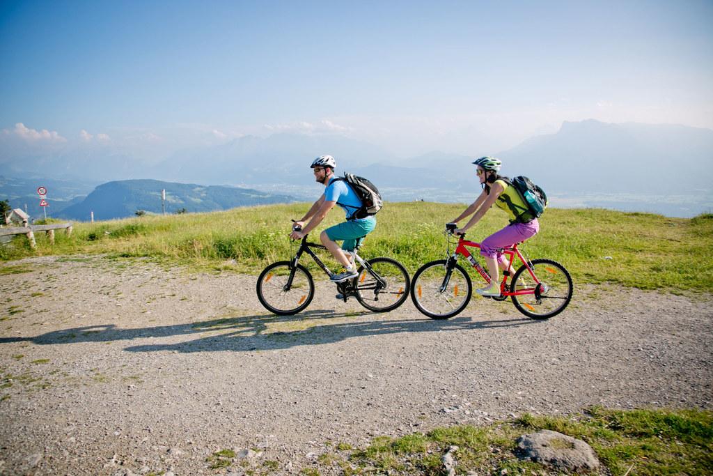 Egal ob gehen, wandern, laufen oder Rad fahren – jede Minute Bewegung zählt.