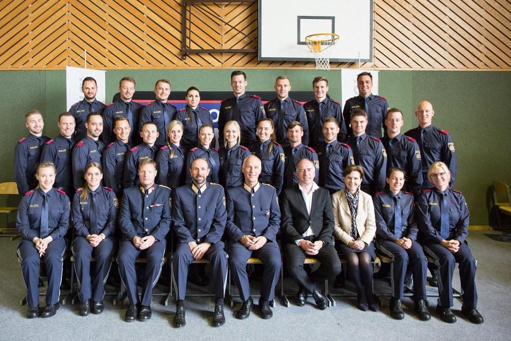 LTP Brigitta Pallauf gratulierte den 50 neuen Salzburger Polizistinnen und Poliz..
