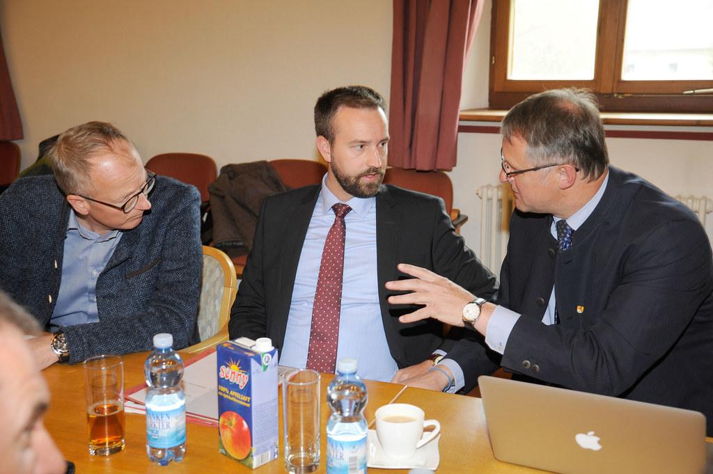 In St. Michael stimmte LR Stefan Schnöll die Entlastungsmaßnahmen für den Sommer..