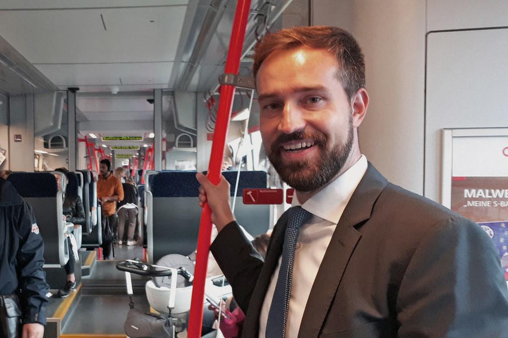 Für LR Stefan Schnöll ist klar: Parallel zum Bahnausbau soll Straßwalchen weiter..