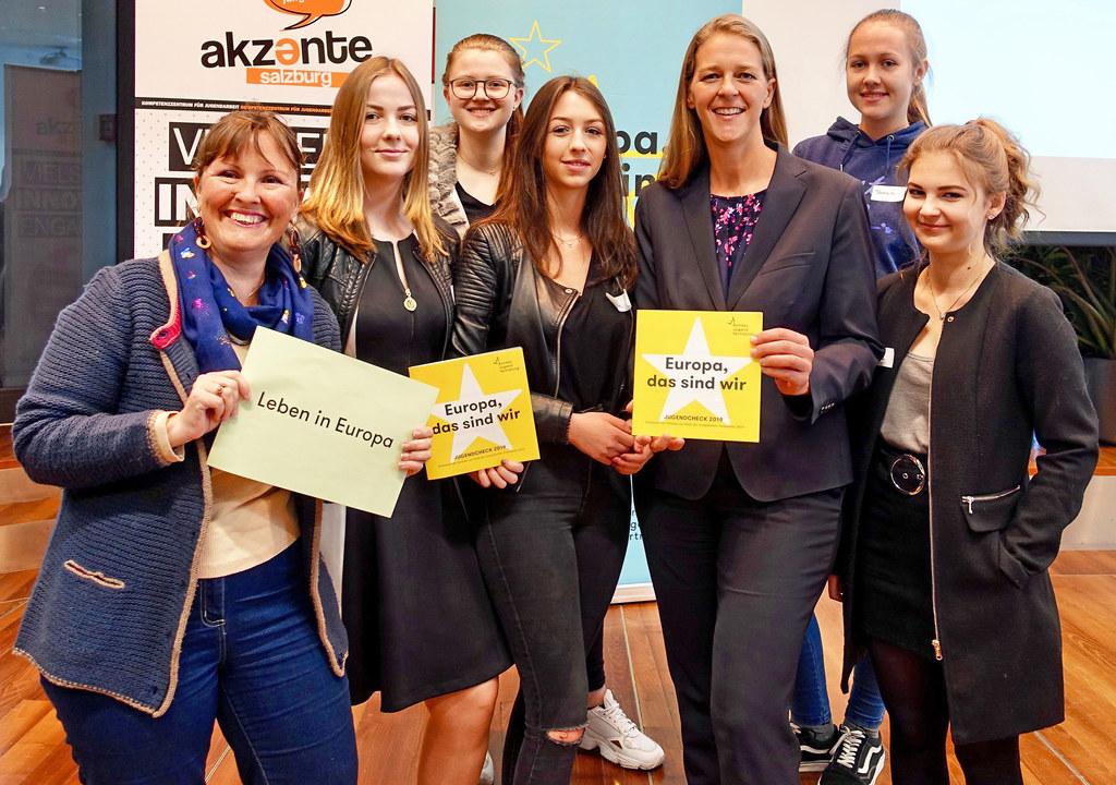 LR Andrea Klambauer freute sich über das große Interesse der Jugendlichen.