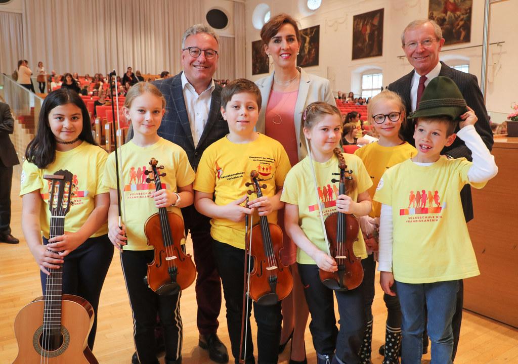 Tag der Stimme in der Großen Aula der Uni Salzburg: LH-Stv. Heinrich Schellhon, ..