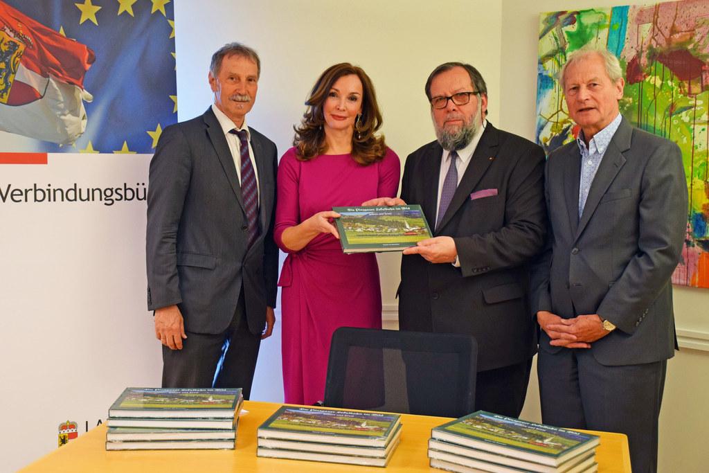 Peter Kaltenegger (EU-Kommission), Michaela Petz-Michez (Verbindungsbüro), Autor..