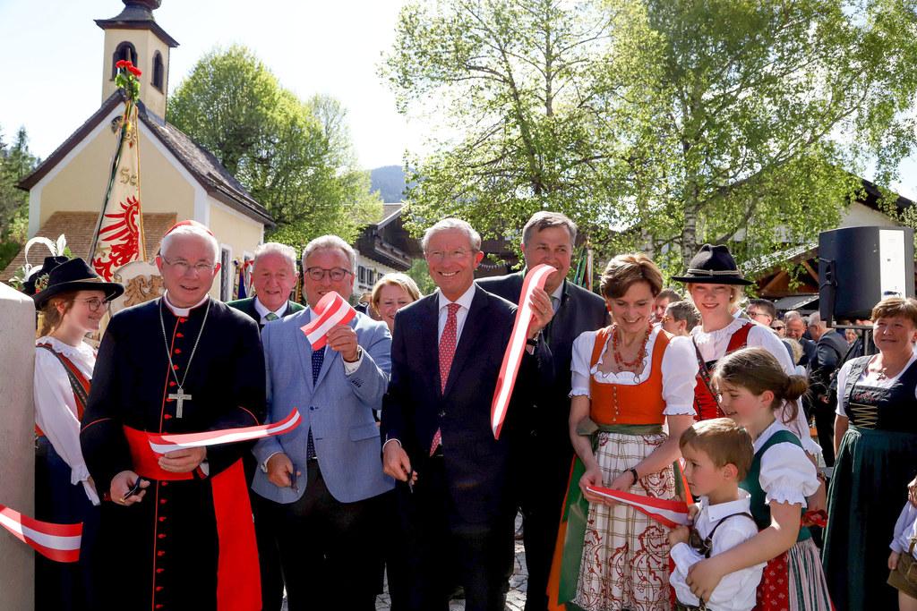Eröffnung Bergbaumuseum Leogang, im Bild: Erzbischof Franz Lackner, LH-Stv. Hein..