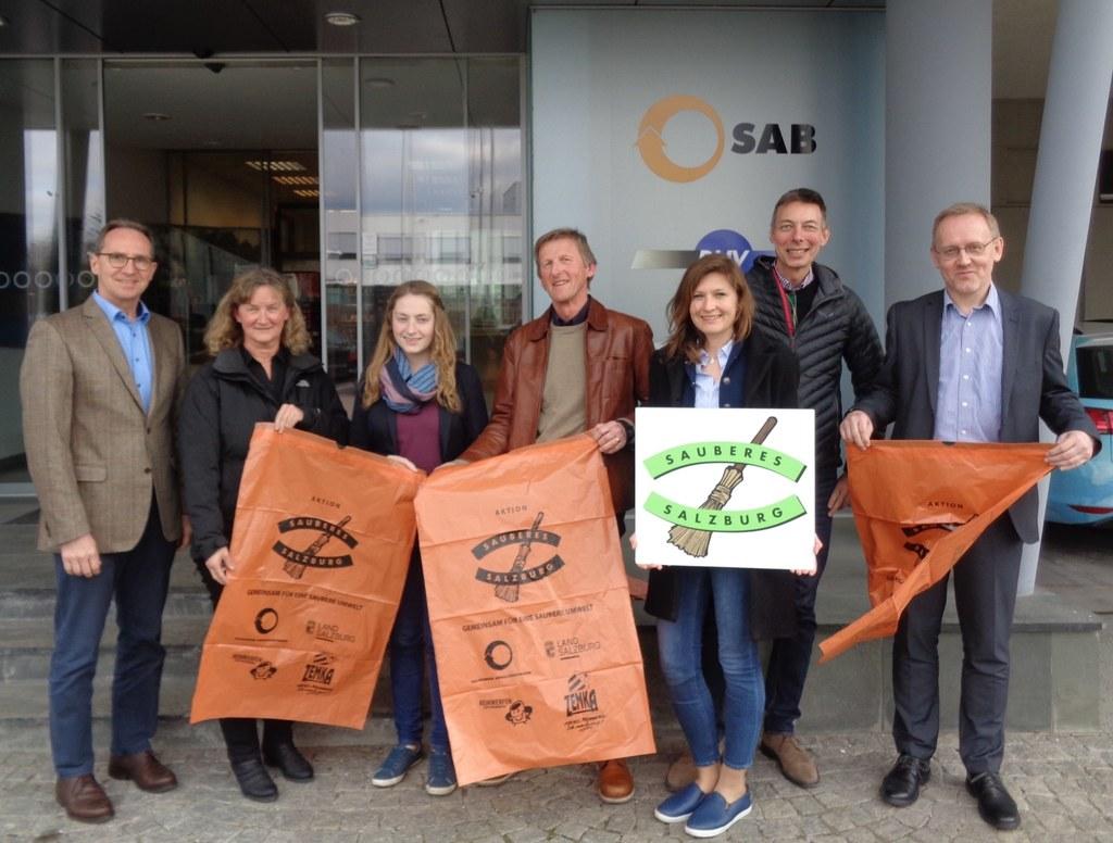 Die Abfall- und Umweltberater mit der SAB-Geschäftsführung, im Bild: Günter Mato..