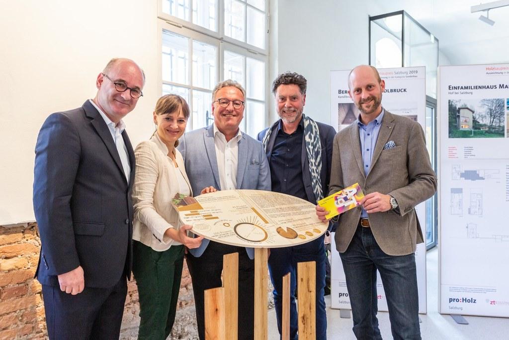 Ausstellungseröffnung Holzbaupreis 2019, im Bild: Markus Klaura (Juryvorsitzende..