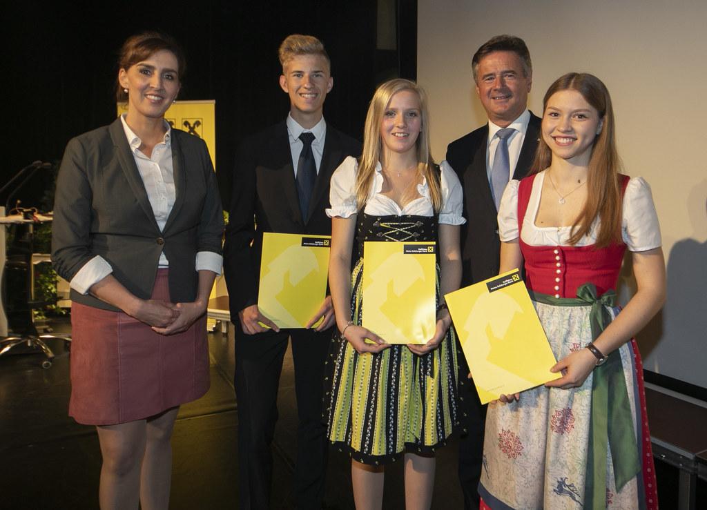 Zertifikatsüberreichung der Raiffeisen Finanzakademie im Kongresshaus St. Johann..
