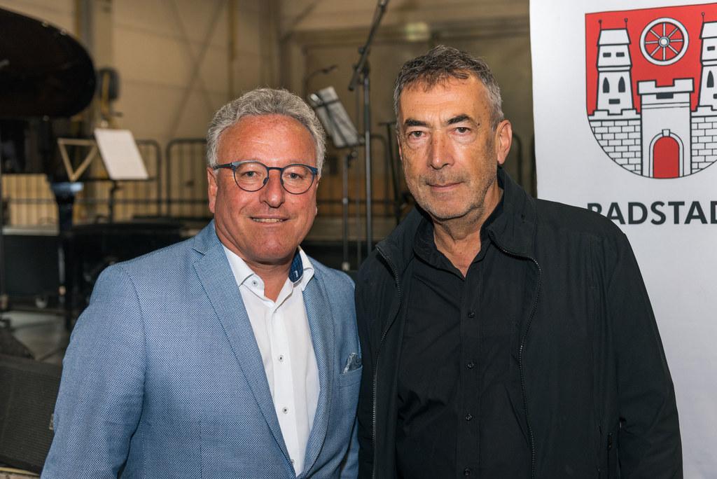 LH-Stv. Heinrich Schellhorn und Hubert von Goisern bei der Eröffnung der Paul Ho..
