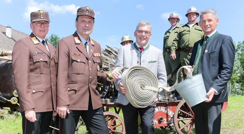 Fest zum 125-Jahre-Jubiläum der Feuerwehr Anthering, im Bild: Landesfeuerwehrkom..