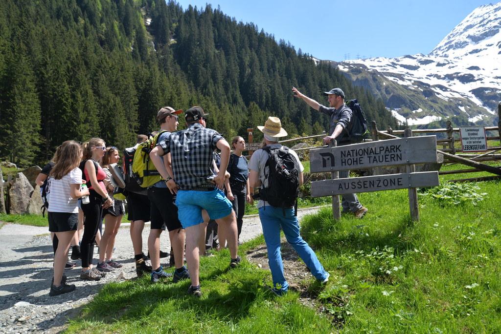 Schülerinnen und Schüler der HBLA Ursprung lernen den Nationalpark Hohen Tauern ..