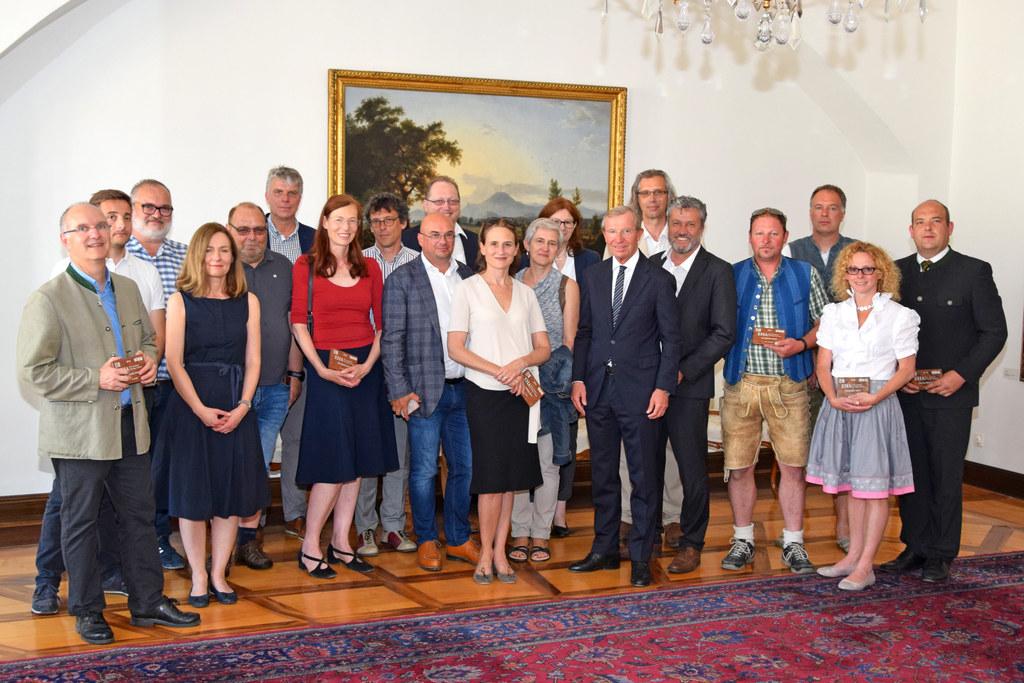 Bauprofis und  Denkmalschützer besuchten Landeshauptmann Wilfried Haslauer im Ch..