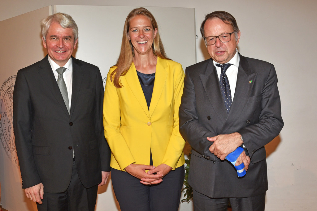 Langzeitrektor Heinrich Schmidinger, LR Andrea Klambauer und der designierte Nachfolger Hendrik Lehnert beim Tag der Universiät.