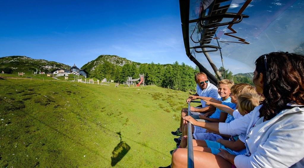Seilbahnen sind im Sommer die rascheste Verbindung zu hochgelegenen Erlebniswelt..