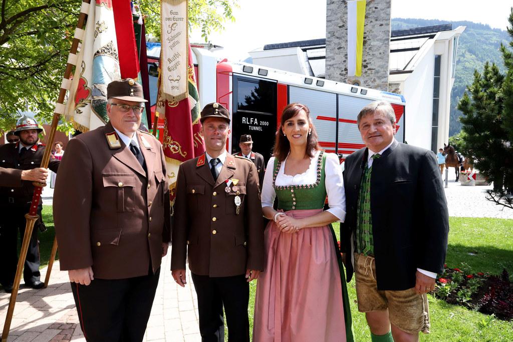 LR Maria Hutter, hier mit Leo Winter (Landesfeuerwehrkommandant), Michael Auböck..