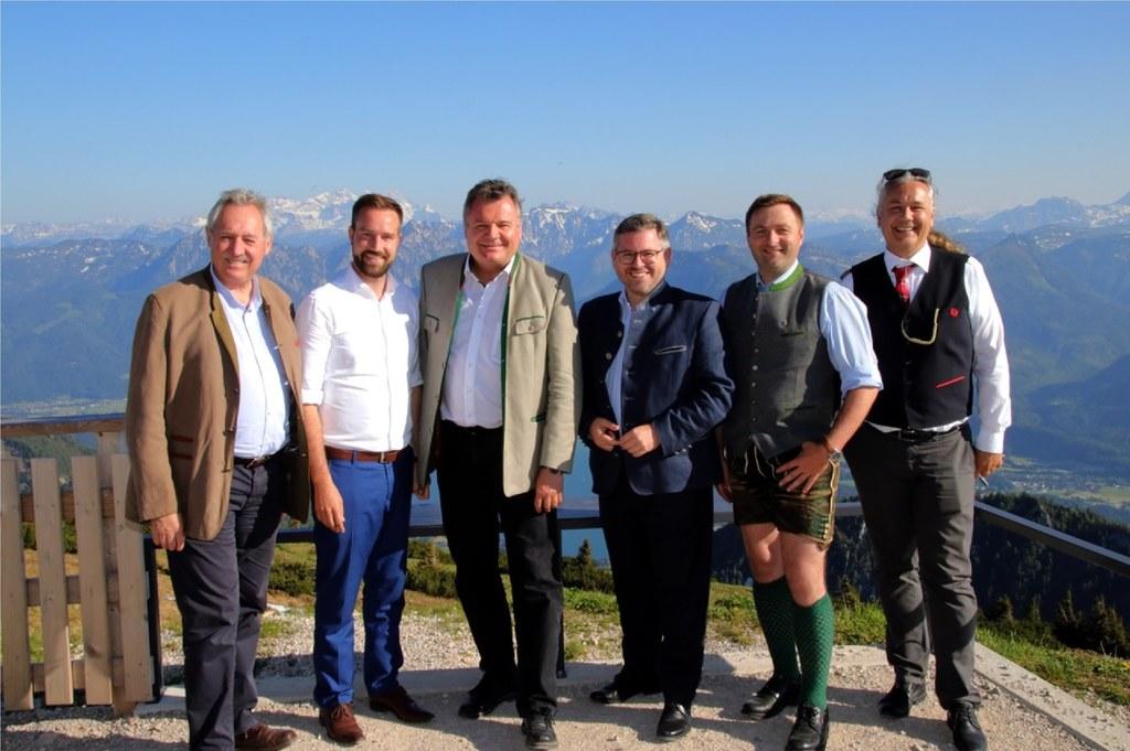 Erörterten Verkehrsfragen auf dem Schafberg: LTP Viktor Sigl (OÖ), LR Stefan Sch..