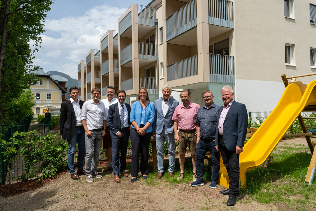 LR Andrea Klambauer bei der Übergabe von 22 geförderten Wohnungen in St. Martin ..
