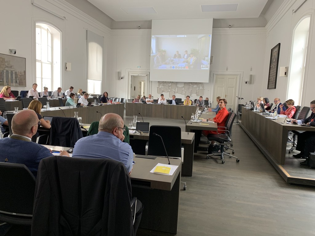 Die erste Live-Zuschaltung in einer Landtags-Ausschusssitzung verlief problemlos..