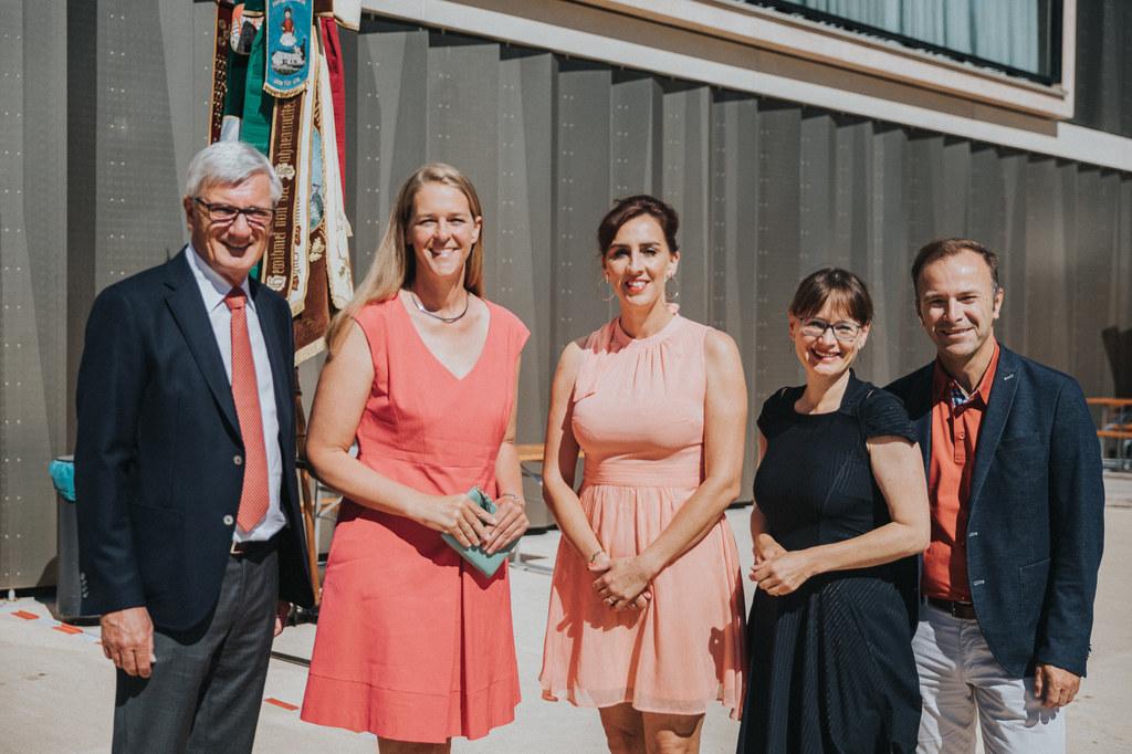 Prominent besucht war der Tag der offenen Tür im Bildungscampus Gnigl, im Bild: ..