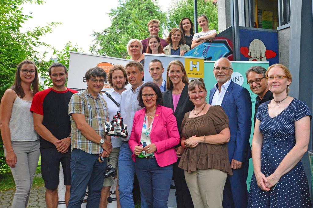 Das Jugendzentrum St. Johann ist jetzt offiziell ein MINT-Pilot-Center. Unter de..