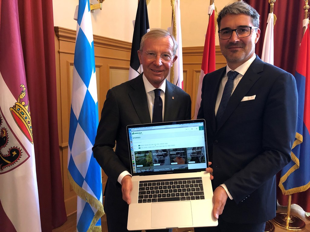 Kompakte Infos über die Arge Alp: LH Wilfried Haslauer und sein Südtiroler Amtsk..