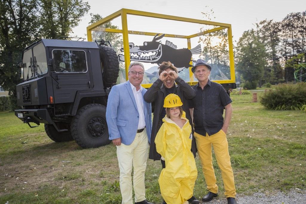 LH-Stv. Heinrich Schellhorn, Künstler Bernd Püribauer und Ferdinand Götz bei der..