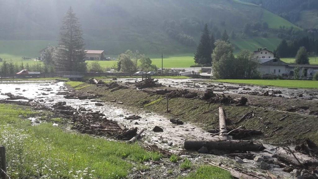 In der Nacht von Sonntag auf Montag kann es zu Überschwemmungen und Murenabgänge..