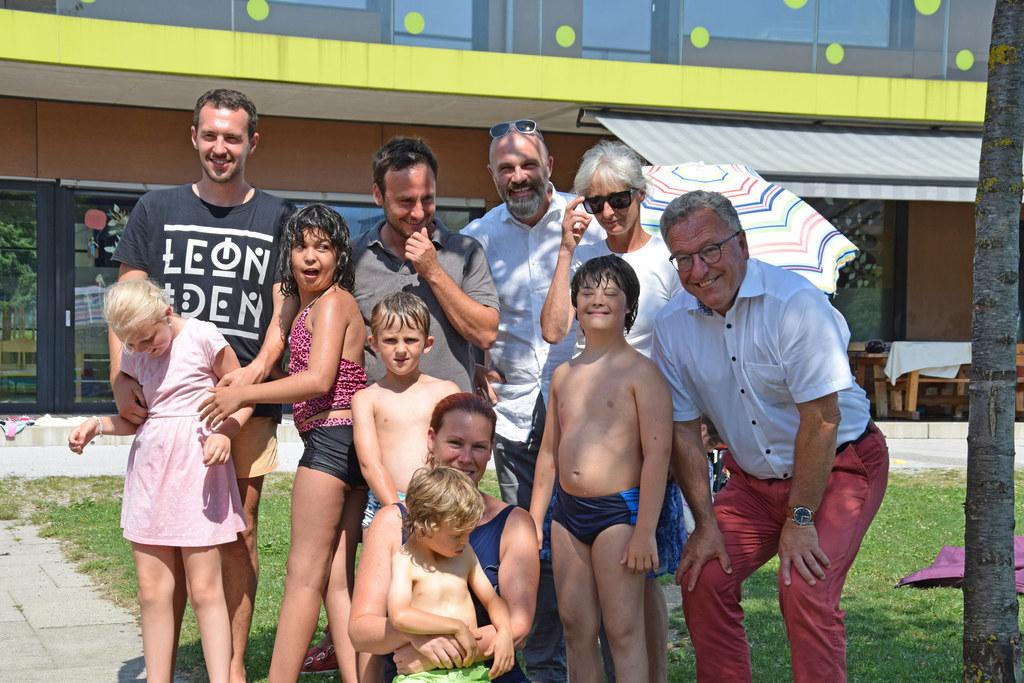 Sommer, Sonne, Ferien: LH-Stv. Heinrich Schellhorn besuchte die Kinder in der An..