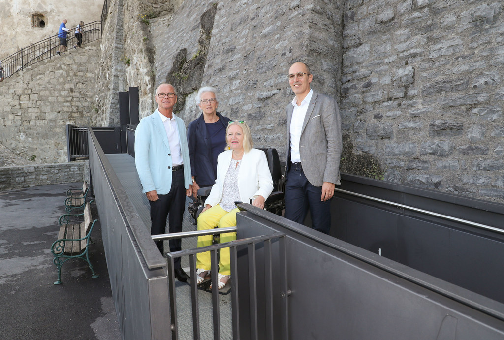 Die Festung Hohen-salzburg hat nun einen Lift für Menschen mit Behinderung.