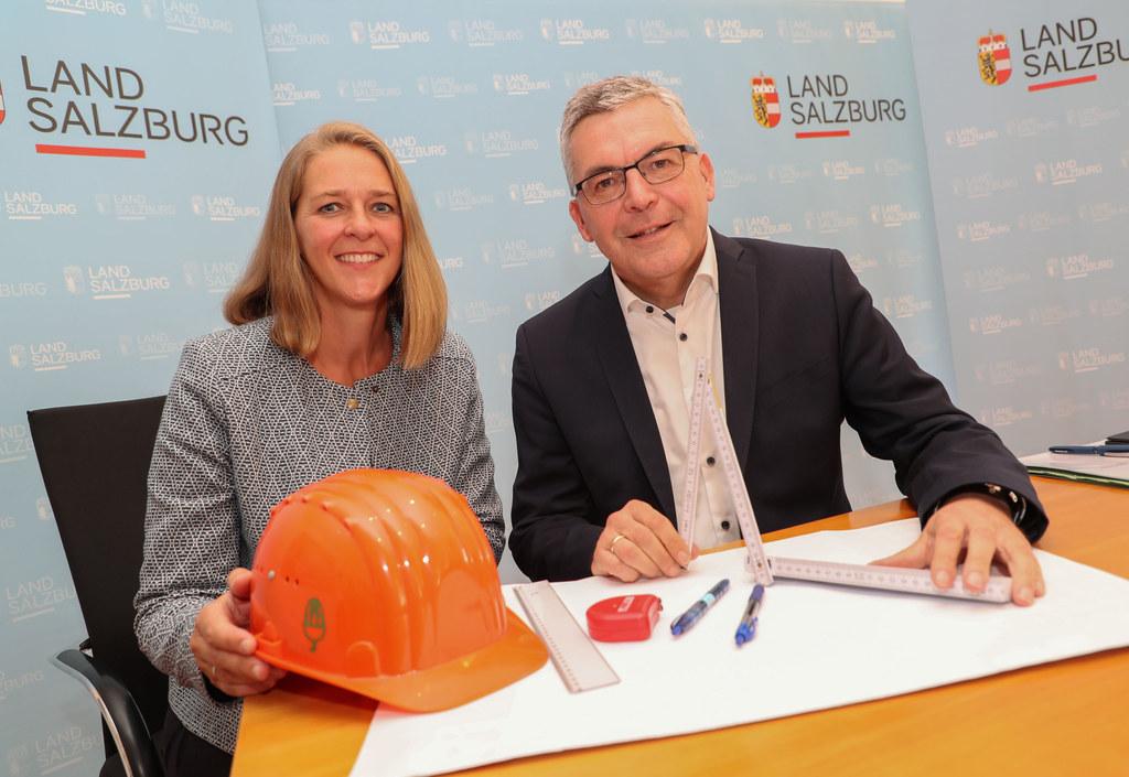 LR Andrea Klambauer und LR Josef Schwaiger präsentierten ihr Maßnahmenpaket für ..