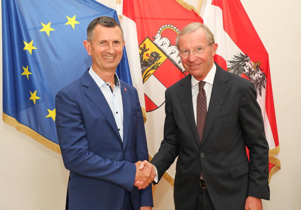 LH Wilfried Haslauer hat heute Verteidigungsminister Thomas Starlinger in Salzburg zu einem Arbeitsgespräch empfangen.