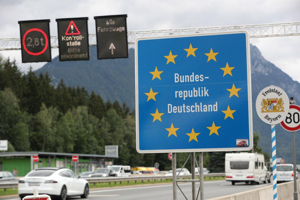 Die Grenzen am Walserberg und Steinpass/Melleck bleiben für bestimmte Berufsgruppen offen.