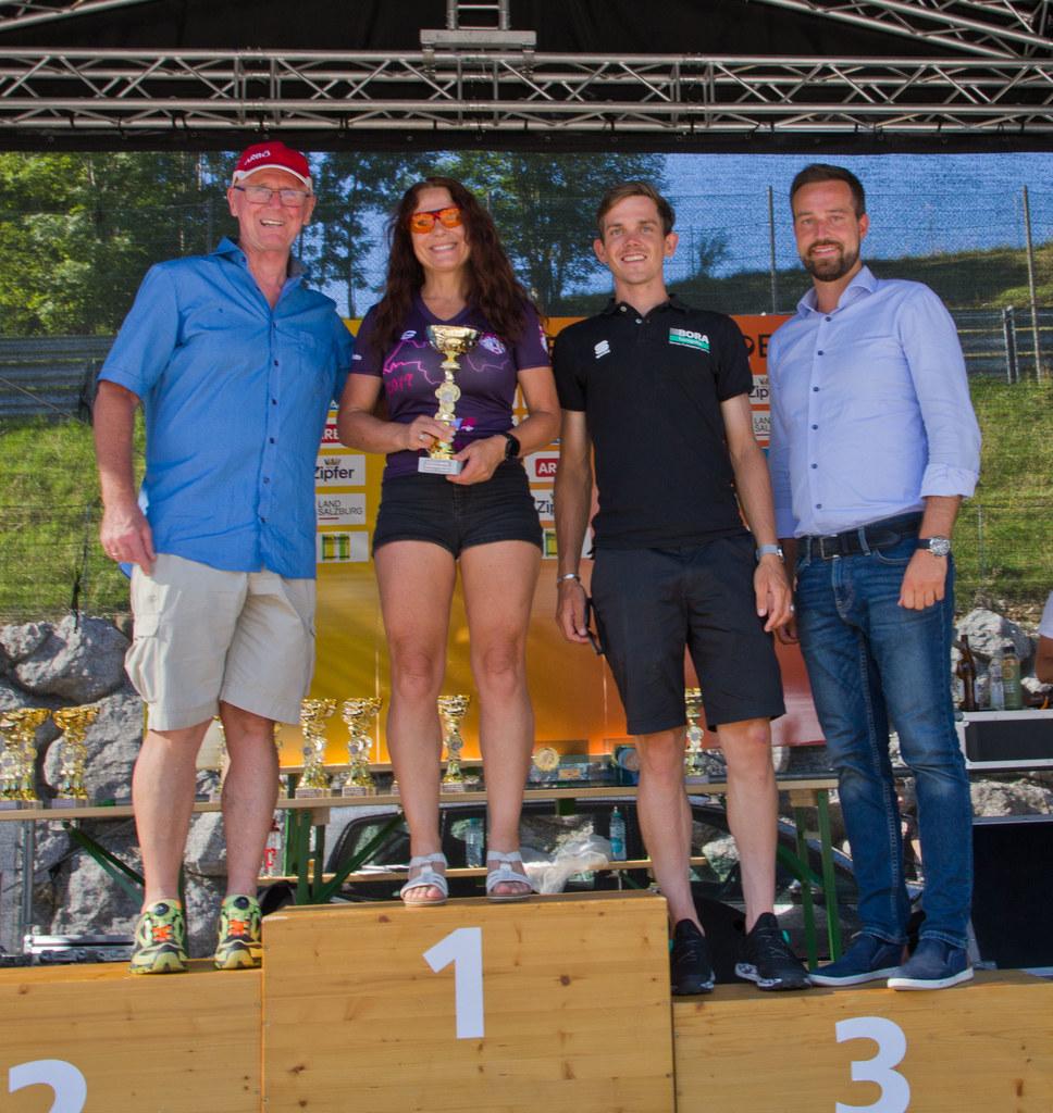 LR Stefan Schnöll mit Radprofi und Tour de France Teilnehmer Gregor Mühlberger s..