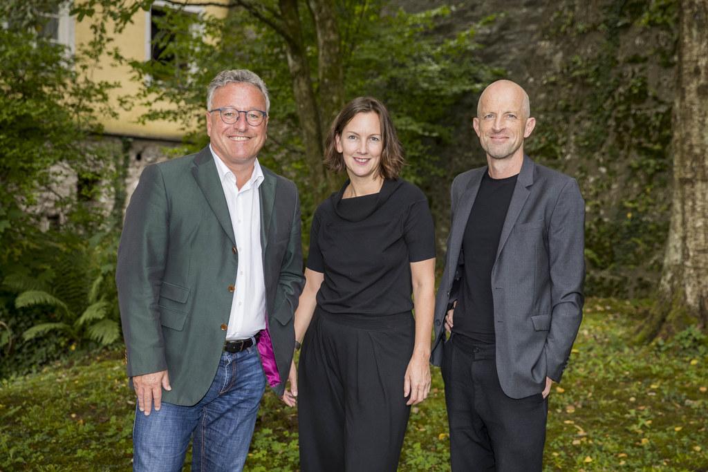 Das neue Team für das Festival ORTung, im Bild: LH-Stv. Heinrich Schellhorn mit ..
