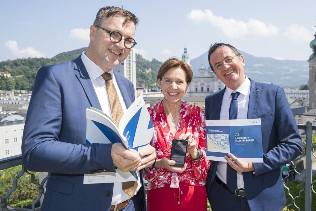 20. Salzburger Telekom-Forum, im Bild: Telekom-Regulator Klaus M. Steinmaurer, L..