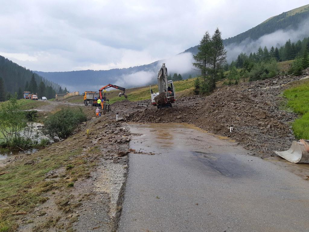 Die Aufräumarbeiten an der L267 Bundschuh Landesstraße werden heute, Donnerstag,..