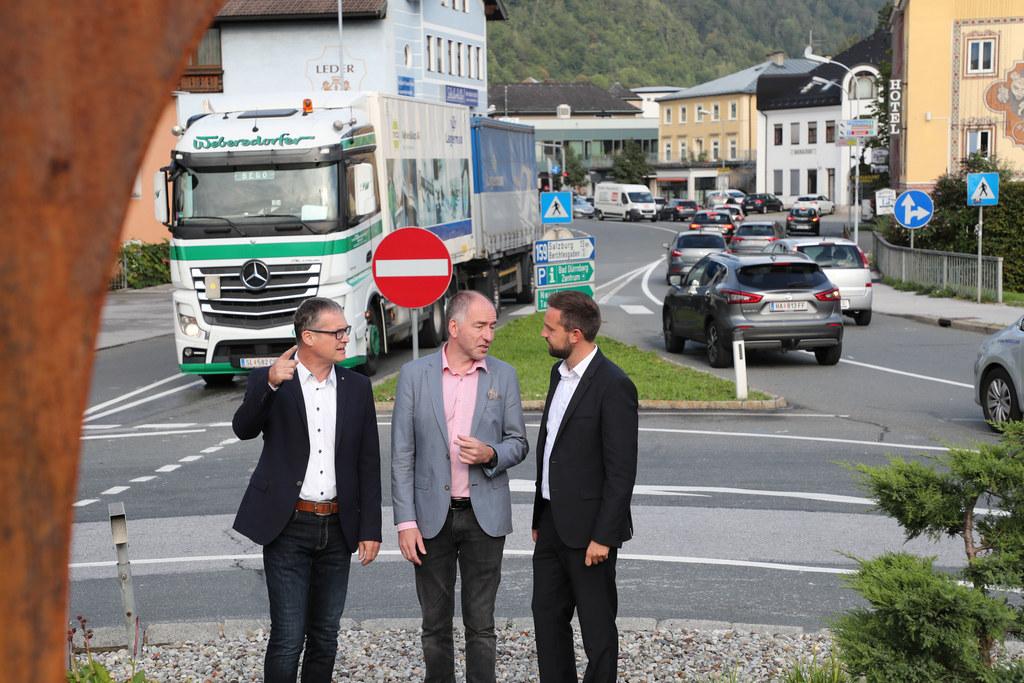 LR Stefan Schnöll, Bgm. Alexander Stangassinger und Verkehrsstadtrat Peter Mitte..