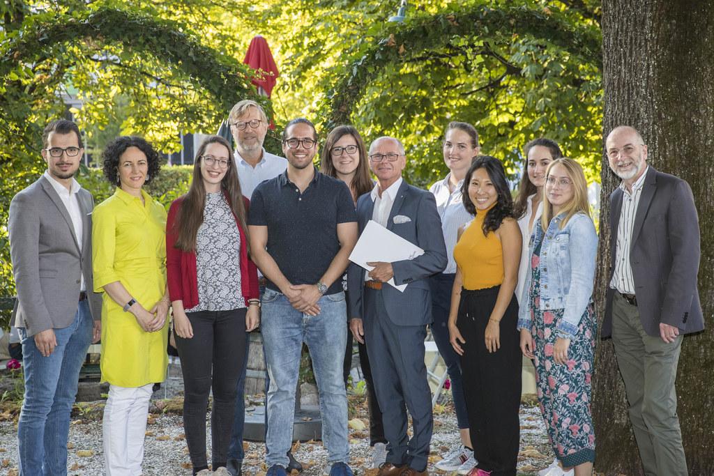 Zertfikatsverleihung der Summer School 2019: Tarik Mete, Maria Flamm, Ilia Valen..