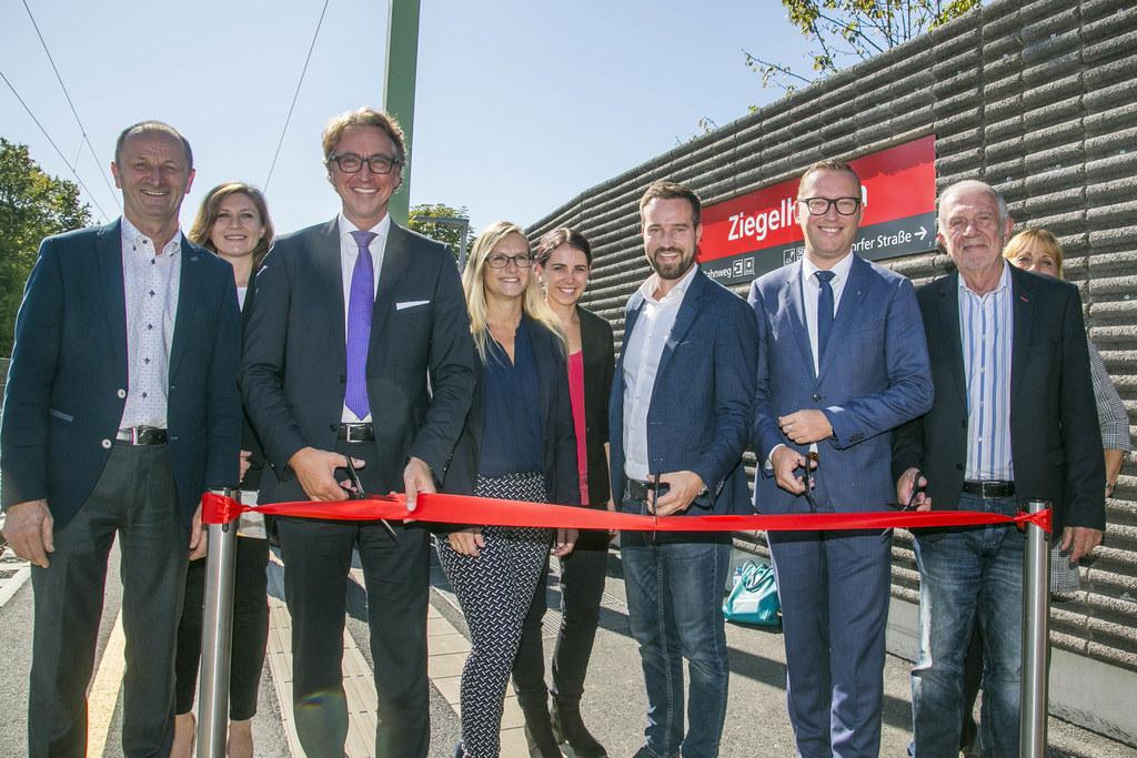 Eröffnung Lokalbahnhof Ziegelhaiden mit Bgm. St. Georgen Franz Gangl, Maike Büsc..