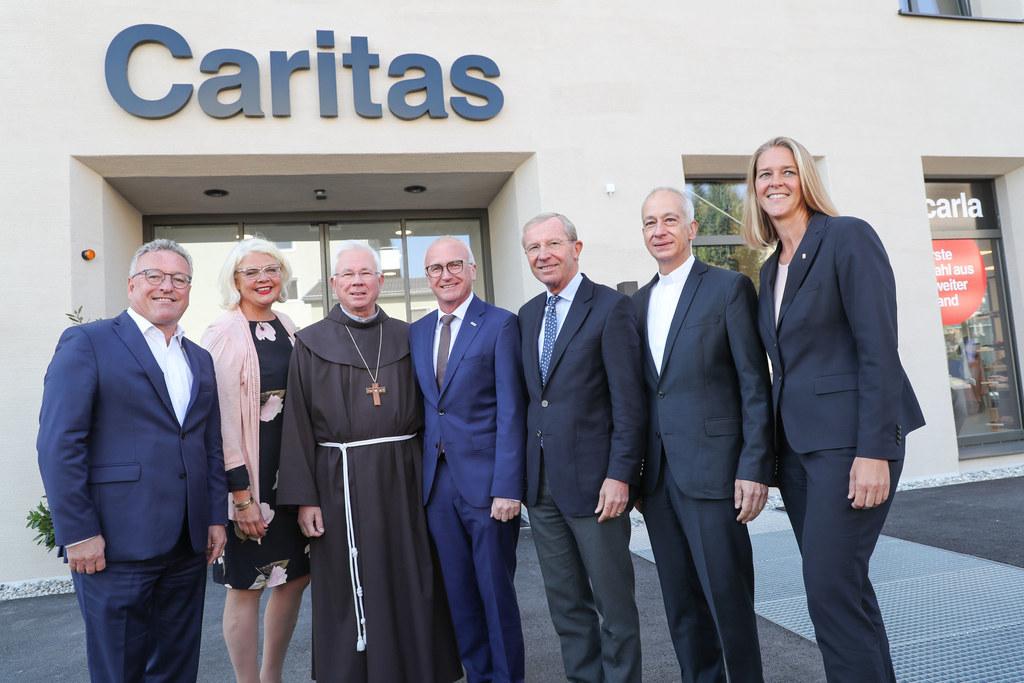 Alles neu bei der Caritas Zentrale in Herrnau. Bei der Eröffnung mit dabei: LH-S..