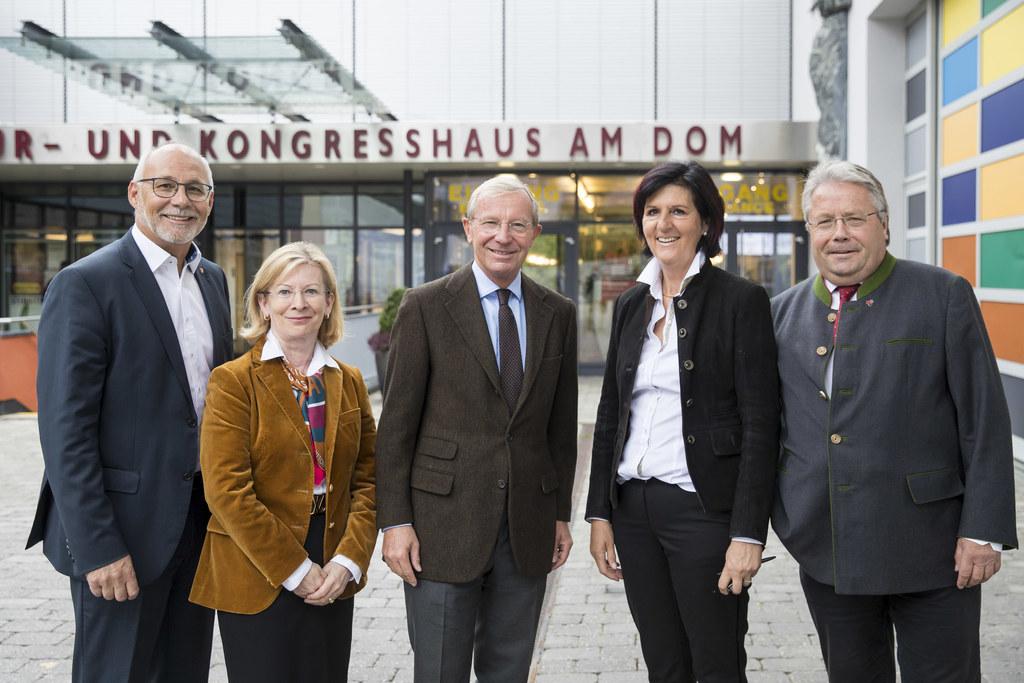 Bgm. Günther Mitterer, WKS-Vizepräsidentin Marianne Kusejko, LH Wilfried Haslaue..