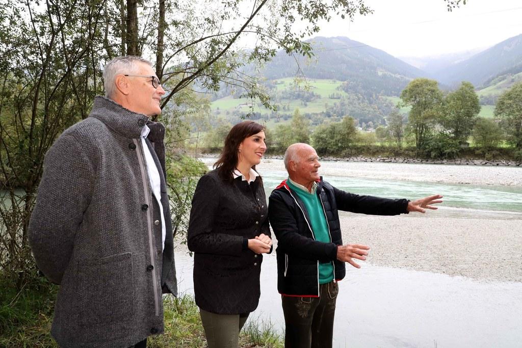 Hans Kapeller (Obmann der Biotopschutzgruppe Pinzgau, li.) und Ferdinand Robl (E..
