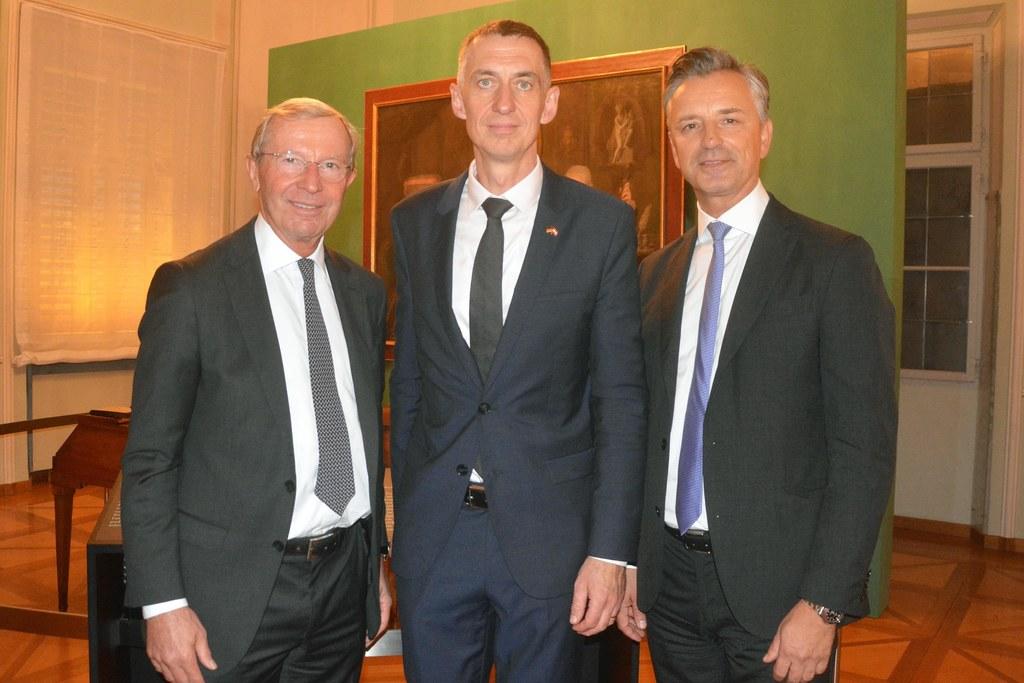 LH Wilfried Haslauer, Ralf Beste (Deutscher Botschafter) und Werner Zenz (Deutsc..