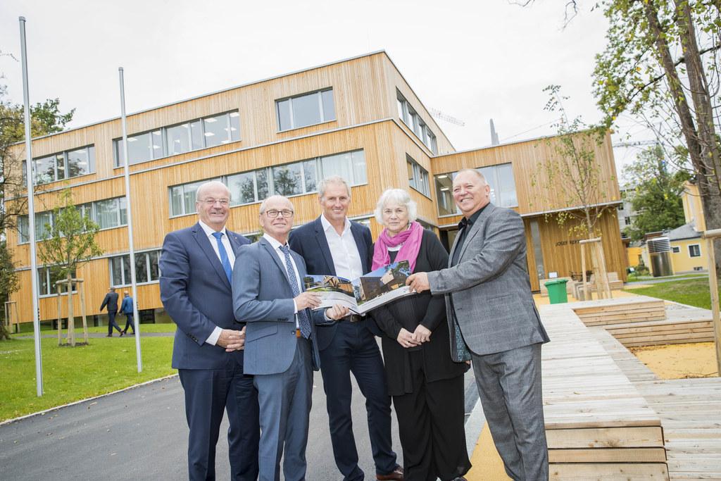 Modern und innovativ - die neue Josef-Rehrl-Schule wurde heute offiziell eröffne..