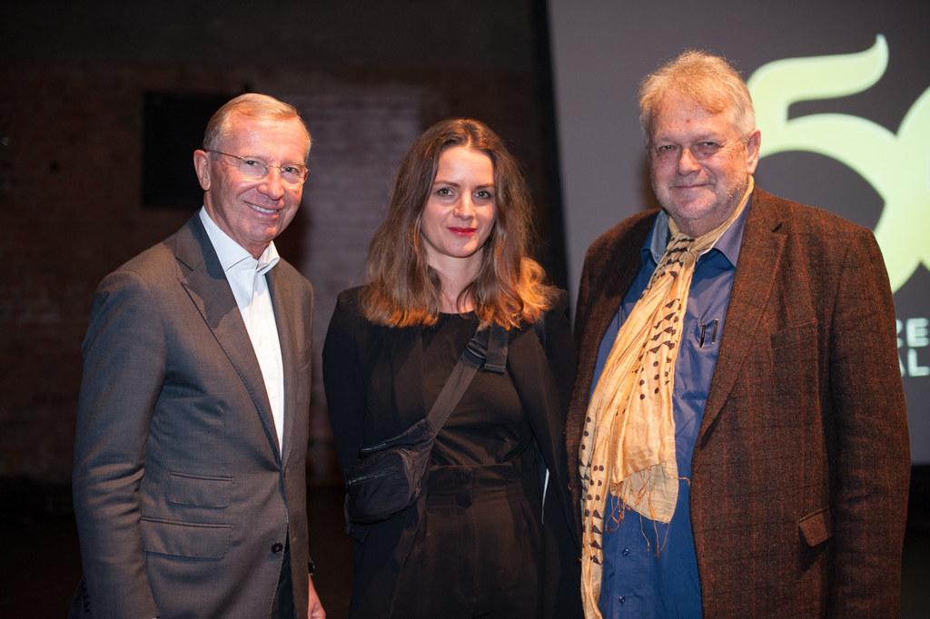"""Beim """"Fest für die Kunst"""" im Republic traf LH Wilfried Haslauer SZENE-Gründer Al.."""