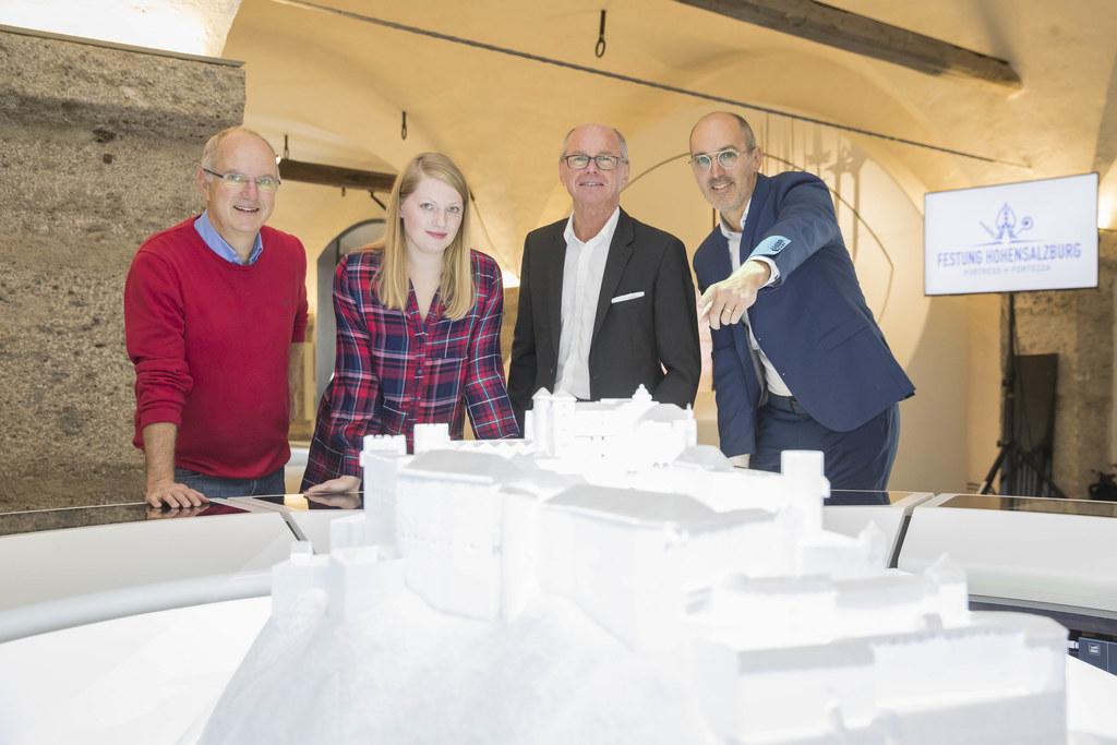 LH-Stv. Christian Stöckl bei der Eröffnung des neuen Zeughauses auf der Festung ..