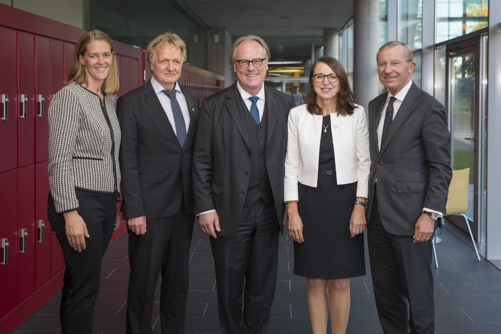 LR Andrea Klambauer, Vizerektor Roald Steiner, Rektor Gerhard Blechinger, Vizere..